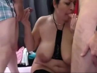 TURK KADIN group sex YAPIYOR