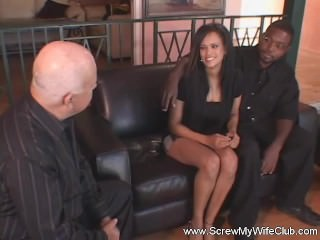 Ebony Swingers Couple Finds True Fun