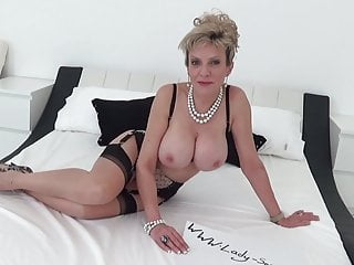 Masturbate off directives from wonderful woman Sonia