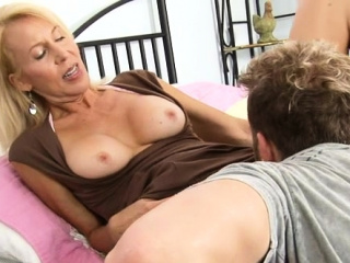 Spunky mature honey luvs every inch of ramrod in her labia