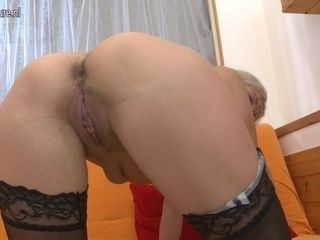 Horny Milf Working Her Pussy Hard - MatureNL
