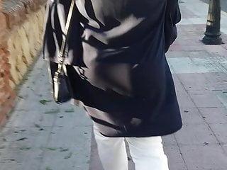 Hijab mummy uber-cute donk