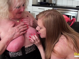 OldNannY Lily May and Claire Knight lezzie fucktoys