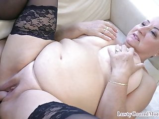 Big-chested gilf lures youthful fellow into super-naughty lovemaking