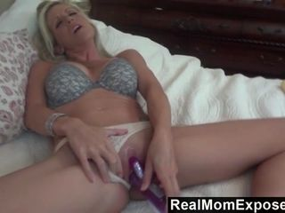 RealMomExposed Emy open her honeypot n throat for her spouse