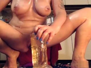 Mature playing herself on cam
