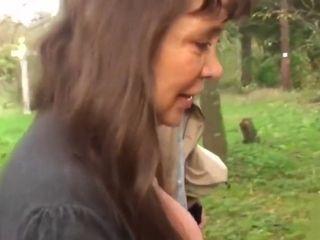 Mamie Chantal avec sa belle chatte poilue