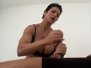 Muscle doll muddy chat and fapping off