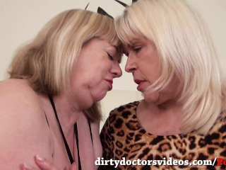 Two Dirty Mature Lesbians Eating Pussy before Squirting using Magic Wands