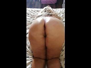 twerking my bib ass