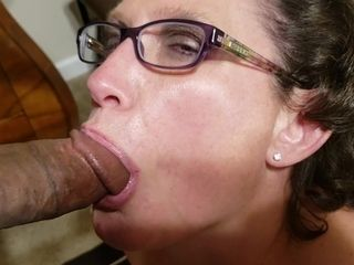 Grannie In Glasses deep-throats ginormous ebony chisel