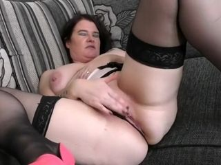 Bodacious brit housewife Dee Dee frolicking with her playthings