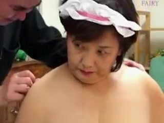 Mature japanese gang with played nips