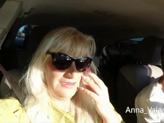 Anna Valentine pays with a blowjob for the taxi ride