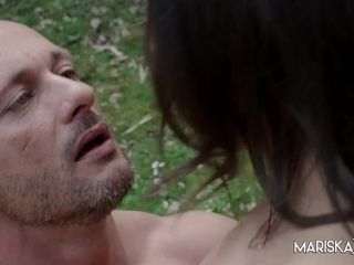 Hot Outdoor Sex With Cassie - MariskaX
