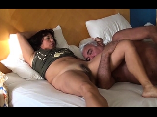 Real unshaved aus les munch cootchie and fingerblasting in hd