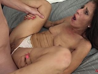 Insane mommy I´d Like To bang Darkhaired stunner chick pummeled